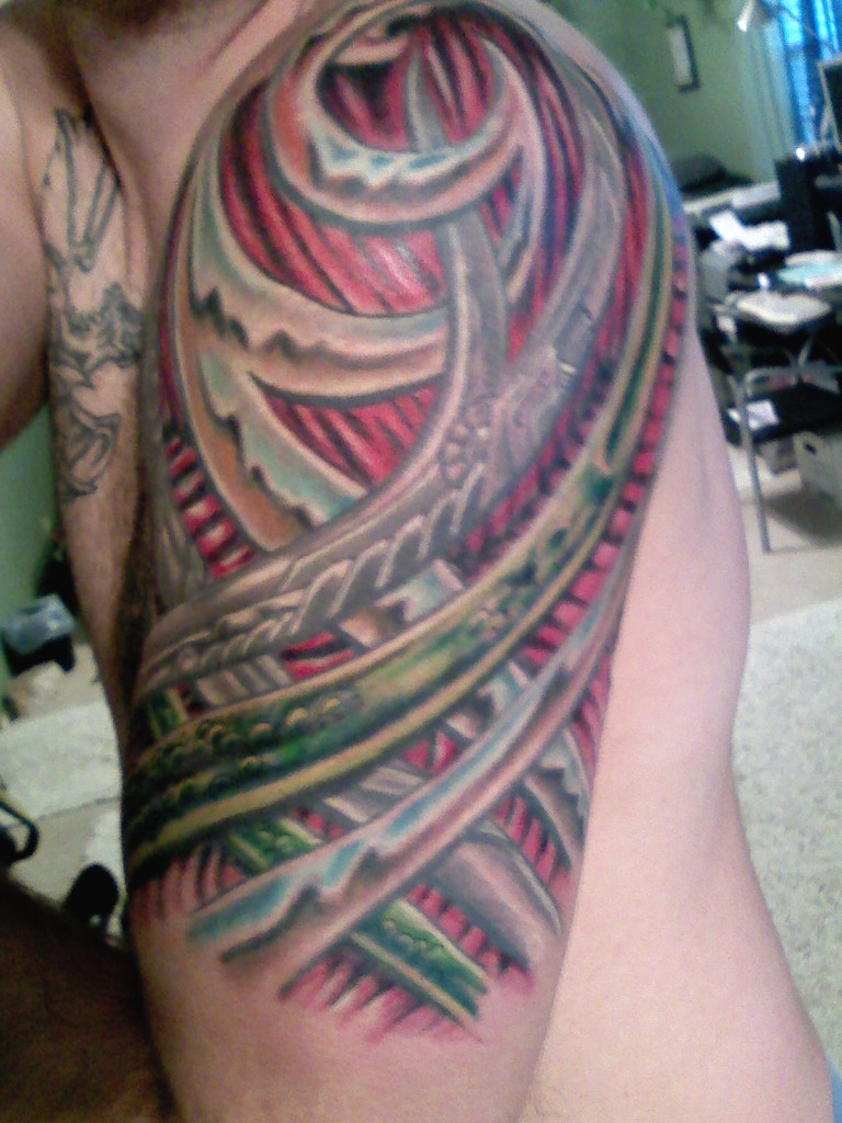 Finished upper arm tattoo