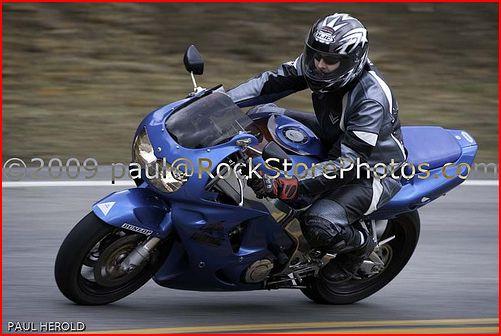 me-riding-cbr